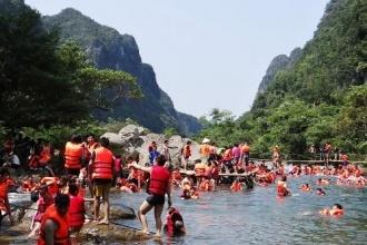 Lượng khách đến tham quan Vườn quốc gia Phong Nha – Kẻ Bàng tăng cao